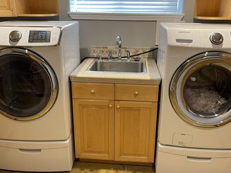 Samsung Washer & Dryer W/ Pedestal Drawers for Sale in Boring,  OR