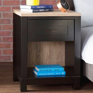 Nightstand (1 drawer) for Sale in Boston, MA