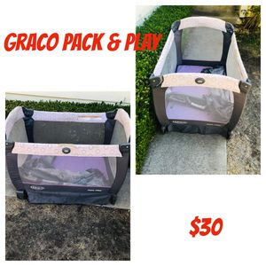 Graco pack & play with changing table and new born stand. for Sale in Antioch, CA