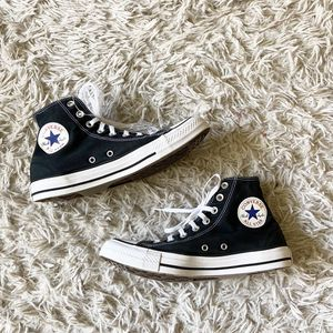 Converse high top sneakers for Sale in Lansing, IL