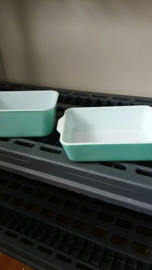 Pyrex and glassbake bakeware for Sale in Cleveland, OH