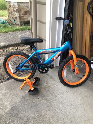 16 inch. Hot Wheels bike for Sale in Hillsboro, OR