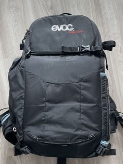 Evoc Photo Scout 18l Camera Backpack for Sale in Chicago,  IL