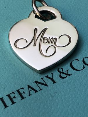 TIFFANY & Co. —MOM—HEART PENDANT— for Sale in Plainfield, IL
