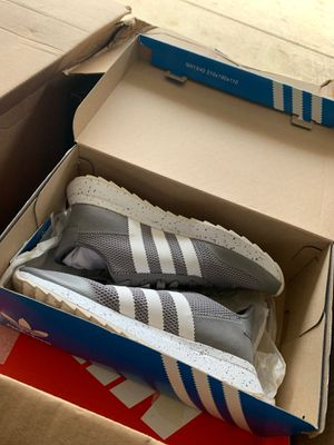 Adidas FLB RUNNER Size 8-1/2 for Sale in Elmhurst, IL