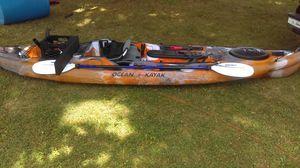 12 feet 9 in Ocean Kayak Camo Orange for Sale in Hampstead, MD