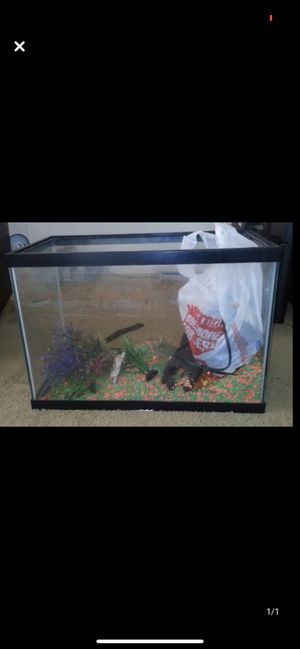 20 Gal Fish Tank Only for Sale in Woonsocket, RI