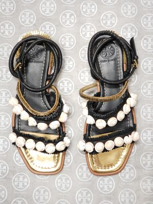 NEW Tory Burch Sinclair Seashell Size 5½ for Sale in Dallas, TX