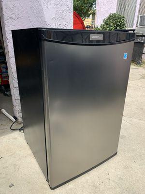 Danby Mini Fridge w/ Top Freezer - Small Medium size Cooler - Black Silver Door Refrigerator for Sale in Los Angeles, CA