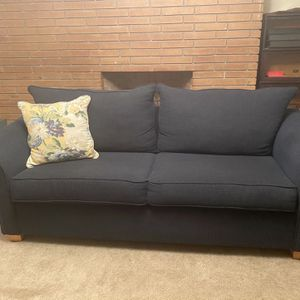 Like new: Blue Couch 7 Foot Long for Sale in Hanford, CA