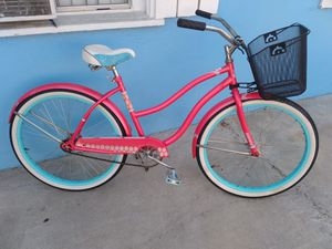 Beach cruiser bike for sale tires 26inches good condition for Sale in Lynwood, CA