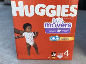 Huggies little movers size 4 (180) diapers for Sale in Gardena, CA