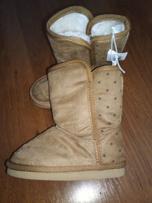 Old Navy girls snow boot for Sale in Woonsocket, RI
