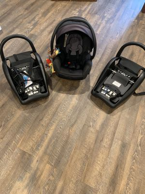 Mico max 30 infant car seat with additional base for Sale in Naperville, IL