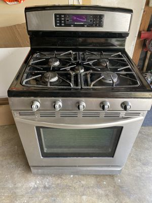 Stove kitchenAid 5 burners for Sale in Rancho Cucamonga, CA