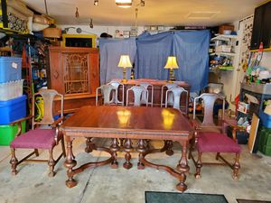 Antique Grand Dinning Room set for Sale in Park Ridge, IL