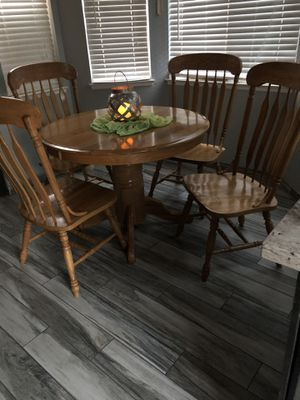 SOLID OAK DINING SET for Sale in Moreno Valley, CA