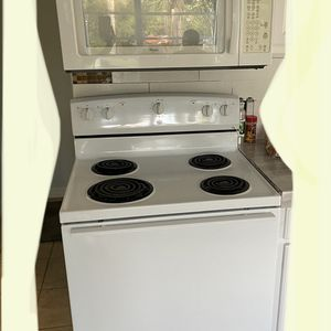 Roper/whirlpool Microwave /oven for Sale in Bonita Springs, FL