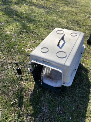 Small dog or cat crate for Sale in Fairfax, VA