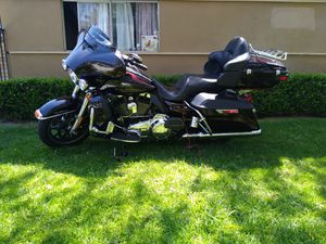 2014 Harley Davidson clean title in hand tags nonoped for Sale in Garden Grove, CA
