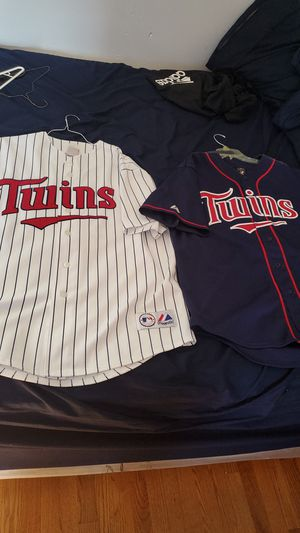 Twins legengs collectable! Santana and Joe Mauer for Sale in Schiller Park, IL