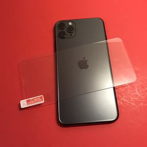 iPhone 11 Pro Max 64gb Unlocked ( Cracked Screen But I Have Screen Protector To Cover It ) Everything Works Fine $600 for Sale in Clarksburg, CA