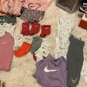 Baby girl Nike clothes 9 months like New $100 for Sale in Warren, MI