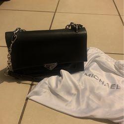 Michael Kors Bag for Sale in Long Beach,  CA