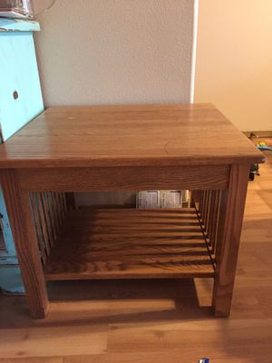 Free side table for Sale in Battle Ground, WA