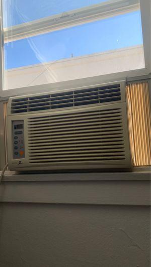 Window AC 6,500 BTU for Sale in Long Beach, CA