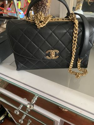 Chanel handbag for Sale in Chicago, IL