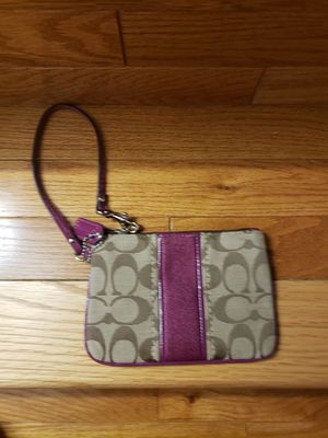Coach wristlet, New never used.chic to carry for Sale in Herndon, VA