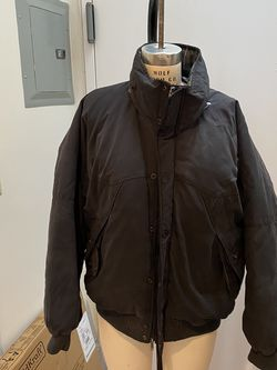 """Burberry Men's Black Down Puffer Coat Jacket Size XL. Condition is """"Pre-owned"""". See pictures ask questions and make an offer! for Sale in Queens,  NY"""
