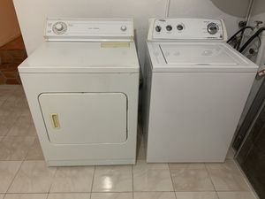 Whirlpool washer and dryer set for Sale in Miami, FL