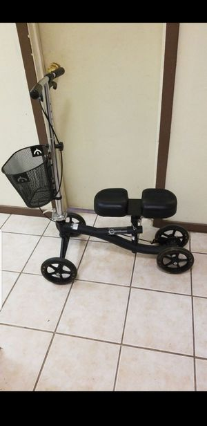 Knee scooter/ crutches for Sale in Grand Prairie, TX