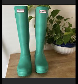 Hunter, tall rain boots. for Sale in Angier, NC