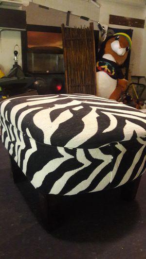 zebra chair 25 for Sale in Fresno, CA