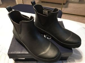 Women's Waterproof Rain Boots Sz 9B for Sale in Phoenix, AZ