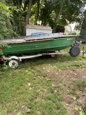Boat with trailer and trolling motor for Sale in North Andover, MA