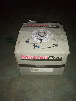 Armada or titan front hub assy for Sale in Westchester, IL