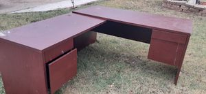 Free office desk in good condition for Sale in Fort Worth, TX