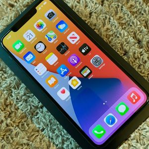 Apple iPhone 11 Pro Max 256GB - Space Gray Unlocked for Sale in Sioux Falls, SD