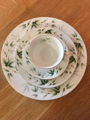 SouthWind by Yamaka Japan 30 piece China Set (with extra items too) for Sale in Mountainair, NM