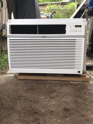 LG a/c window unit 15,000 BTU'S. 1 1/4 Ton 115 VTs , good working condition. It covers 800 to 850 square feet . Big enough to cool a small house 🥶 🏠 . for Sale in McAllen, TX