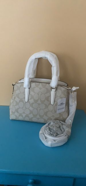 New coach carryall bag for Sale in Algonquin, IL