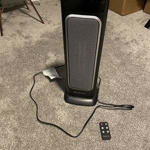 Comfort Zone Space Heater With Remote for Sale in Garland, TX