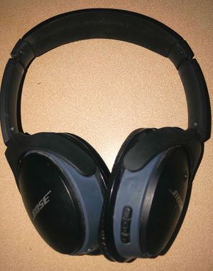 Bose Soundlink Around-Ear headphones for Sale in Sioux Falls, SD