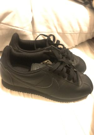 Women's size 6 Nike shoes for Sale in Fresno, CA