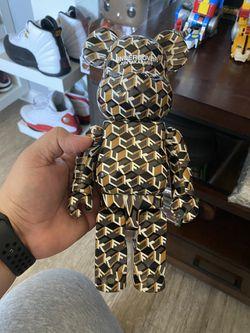 UNDERCOVER x Medicom Toy BEARBRICK 100% & 400% BEAR BRICK for Sale in West Sacramento,  CA