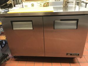 Commercial fridge! Good condition normal wear for Sale in New Britain, CT